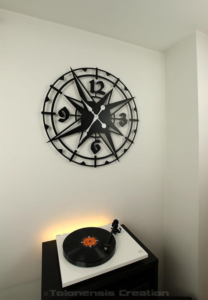 Horloge géante Colombus de 80 cm de diamètre de style colonial - exotique - Design Jacques Lahitte © Tolonensis Creation