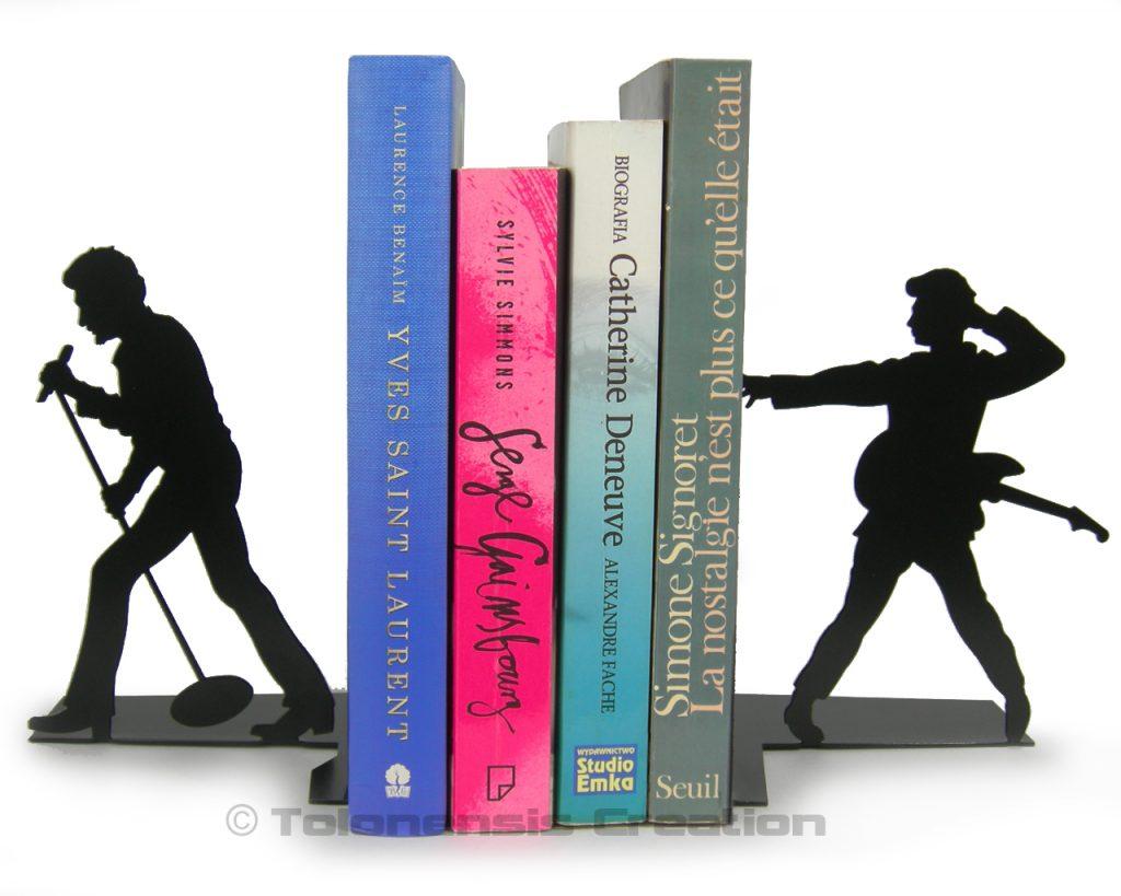 La superbe paire de serre-livres JOHNNY HALLYDAY dédiée à tous les amoureux du rockeur français. Une création française de qualité en métal
