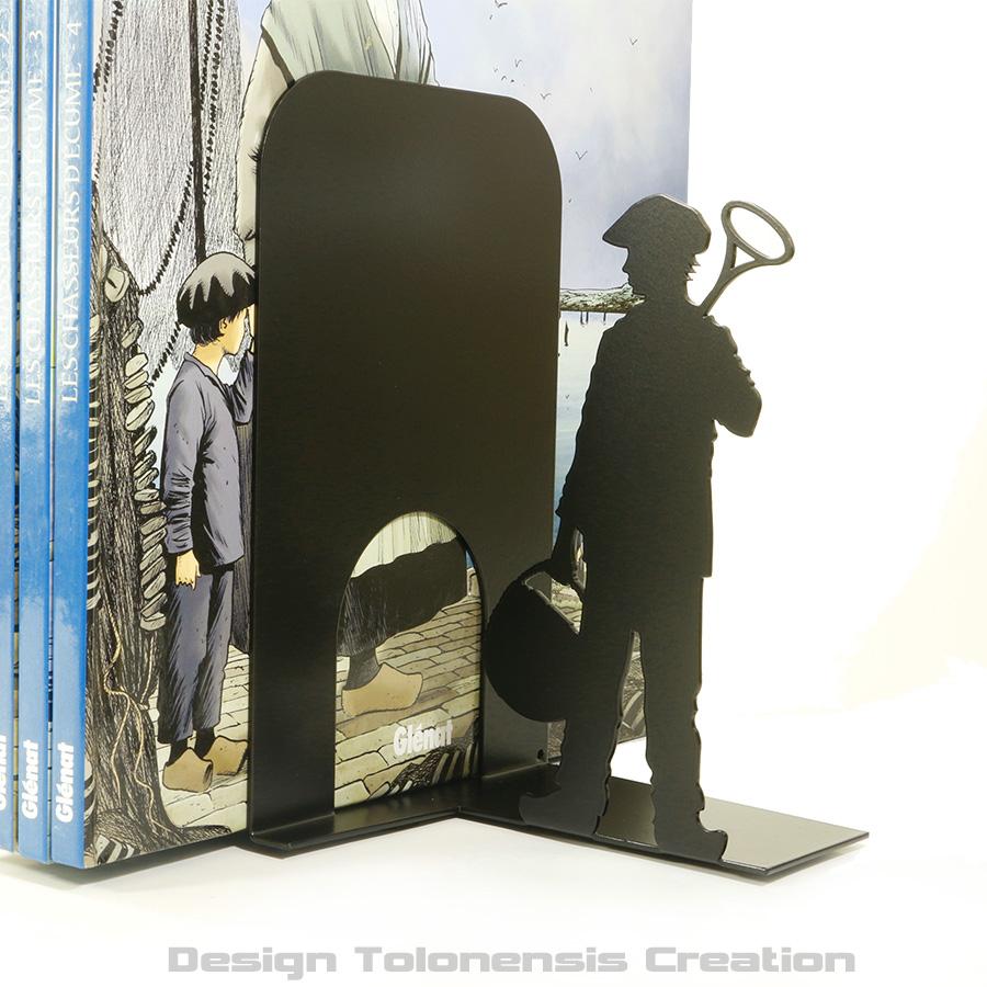 Projet de serre-livres sur le thème de la bande dessinée Chasseurs d'écume - Modèle droit